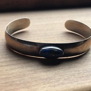 Sterling Silver and Lapis ..cuff bracelet 🌺